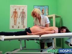 doctoras lesvianas teniendo sexo con pacientes