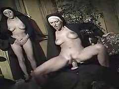 monjas teniendo sexo