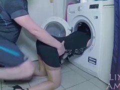 cogiendo con mi madre atrapada en la lavadora