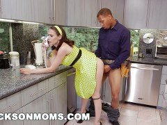 secretaria follando follandose al fontanero
