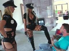 pornografias de fantasias sexuales con policias